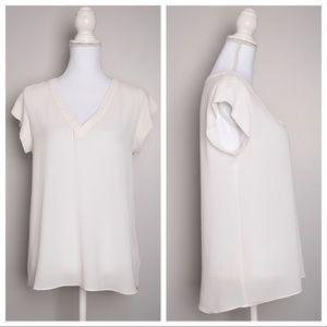 💕5for$25💕 Alythea White V-Neck Short Sleeves Top